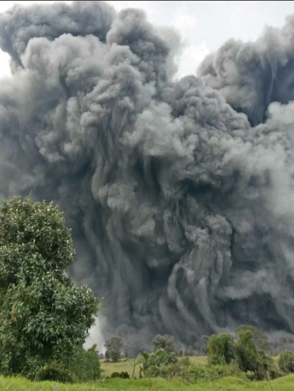 The Eruption Of Volcano Turrialba In Costa Rica Has Occurred Today A Column Ash Covered Surrounding Communities
