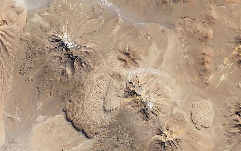 Altiplano-Puna-lavovyie-kupola