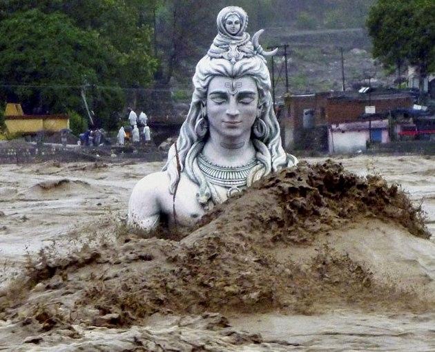 Shiva-Statue-washed-away