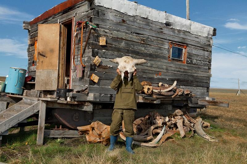 10-dobycha-oxotnikov-za-bivnyami-mamontov