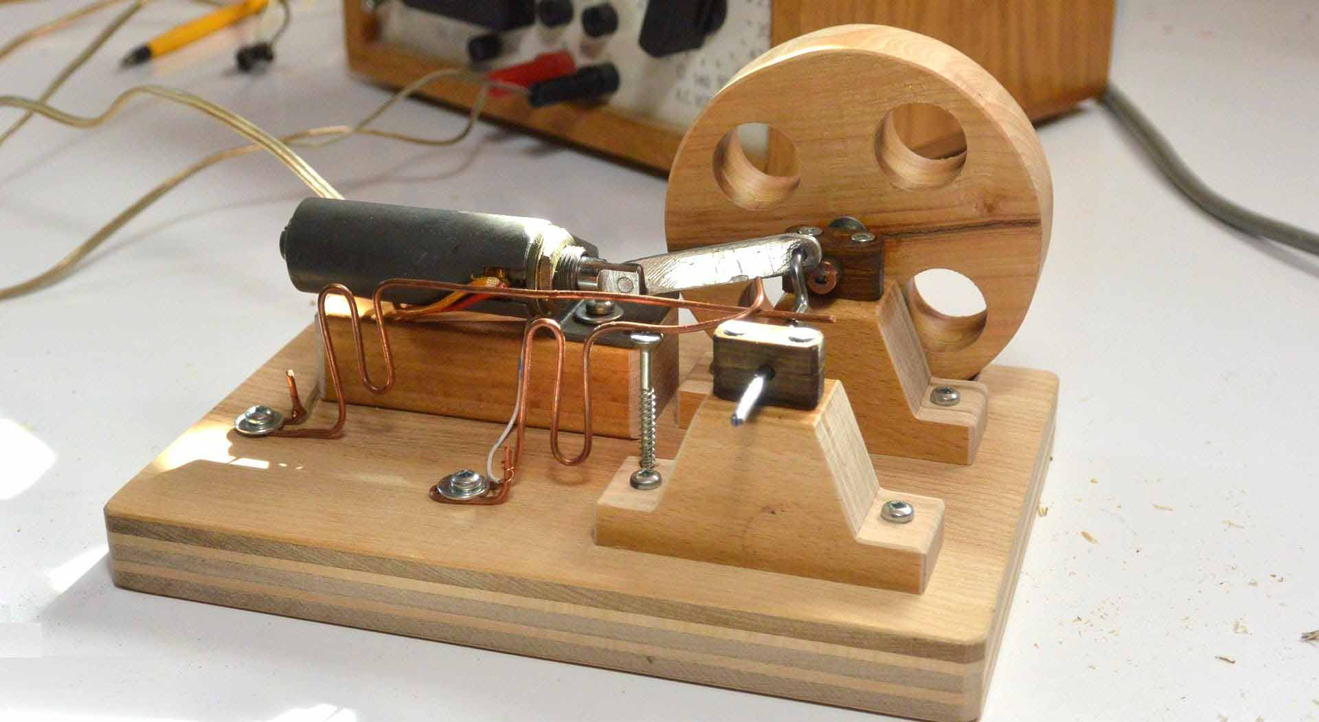 How to make the electric motor based on electromagnetic for How to create a motor