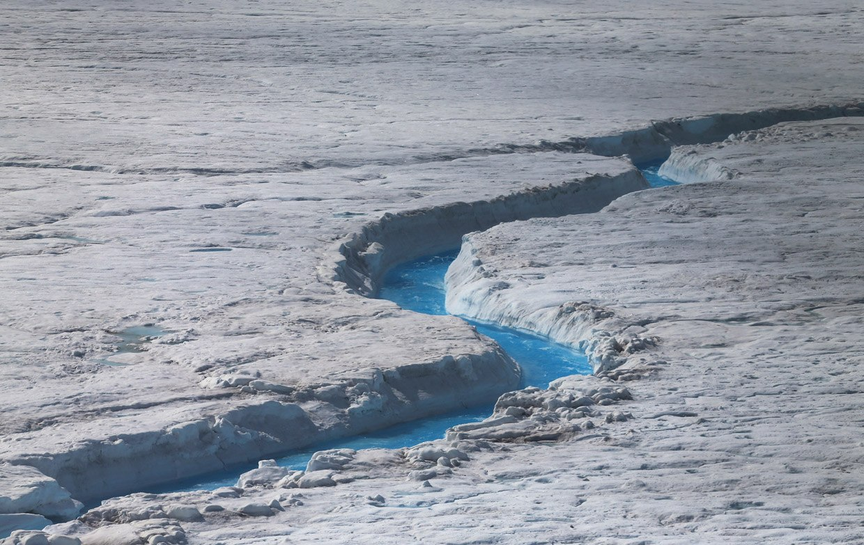 The melting of glaciers in Greenland raised Global sea level by five