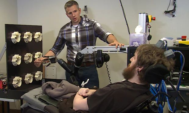 mind-controlled-robot-arm-sense