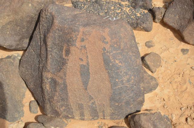 small-petroglify-v-iordanii-8