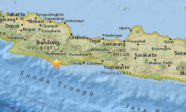 An earthquake of magnitude 65 occurred on the island of java an earthquake of magnitude 65 occurred on the island of java in indonesia the hearth lay at a depth of 91 km the earthquake was felt in many regions of gumiabroncs Gallery