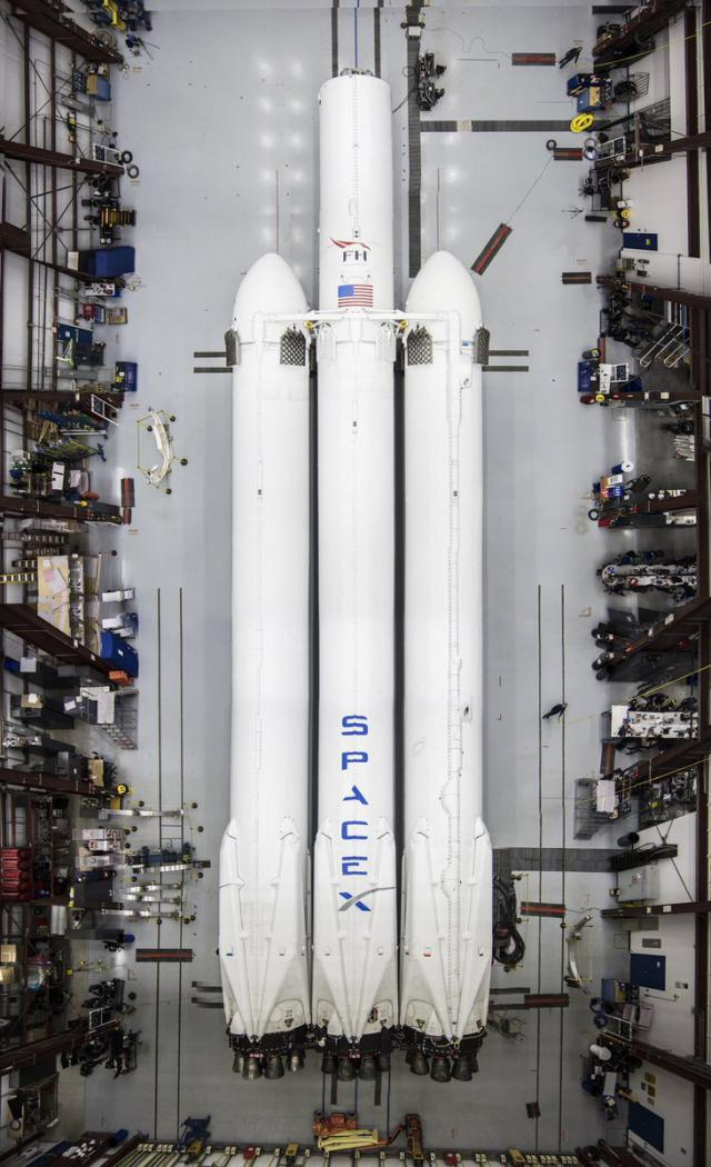 SpaceX's Falcon Heavy and Musk's Roadster reach orbit on ...